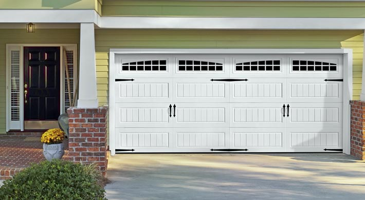 Superieur Oak Summit Garage Door